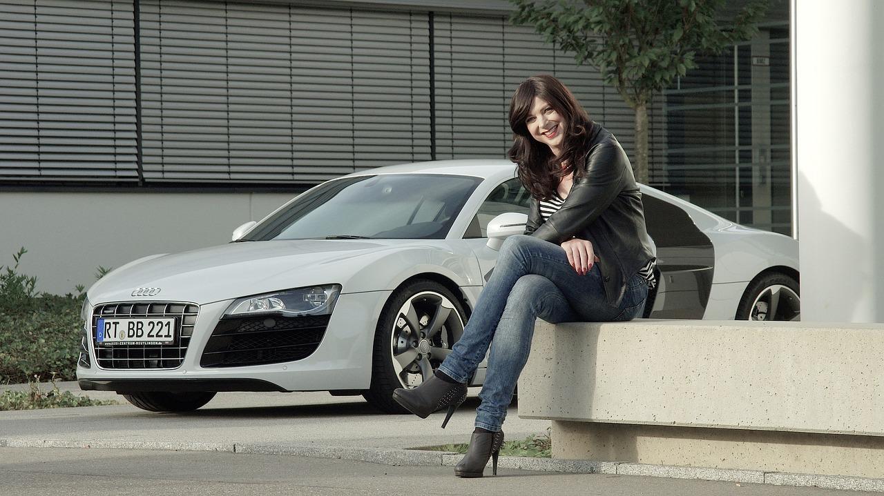 スポーツカーはかっこいいけど、ネガなイメージ強すぎる