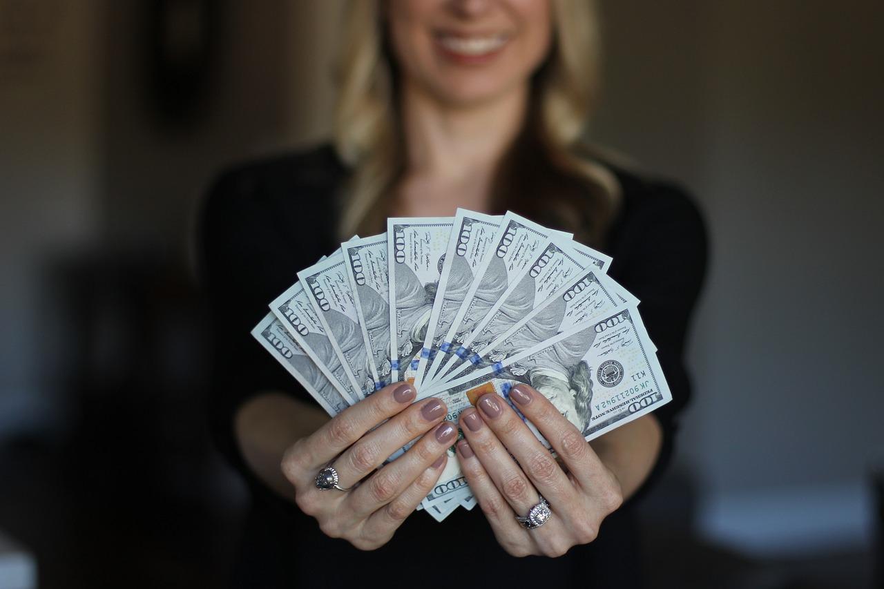 ご家庭ではお金は大体女性が牛耳る
