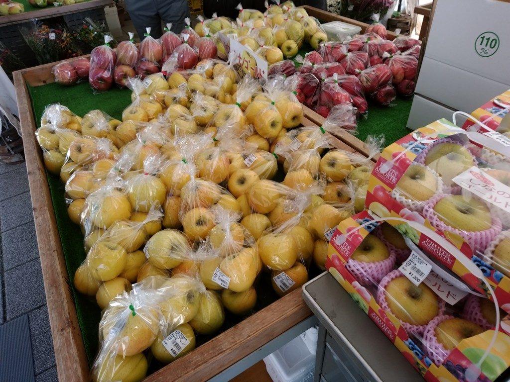 リンゴが大量にあるのが長野県