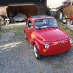 旧FIAT500。ワイパーはホントに車検用。当倶楽部の個体は公道で走る日が来るんだろうか?