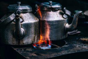 焚火で沸かすのもまたオツだが、焚火は禁止が多いし時間がかかる