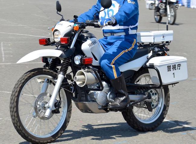オフロードバイクは緊急車両に正式採用されてたりします。