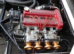 これは本国仕様のエンジンですな