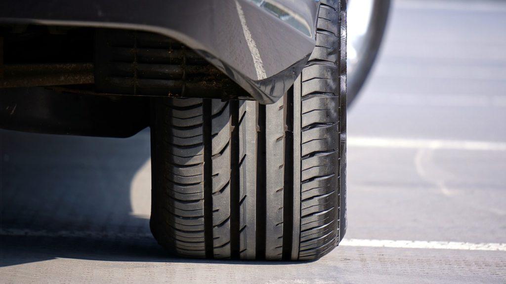 タイヤは命を乗せています。