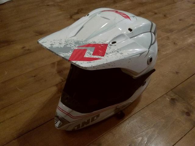 Oneのヘルメット、このデザインがものすごく気に入ってた