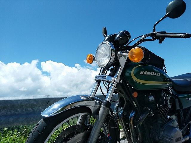 Z750D1。こういう風景を独占できるのがバイクです。