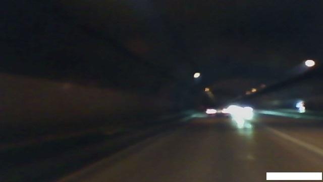 トンネル内に電灯があればまだましです。