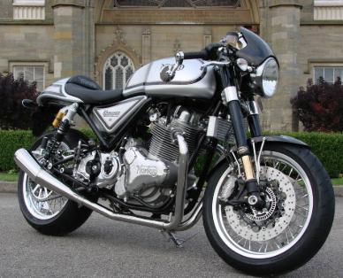 カッコいいバイクには挨拶くらいできる人に乗ってほしいですな