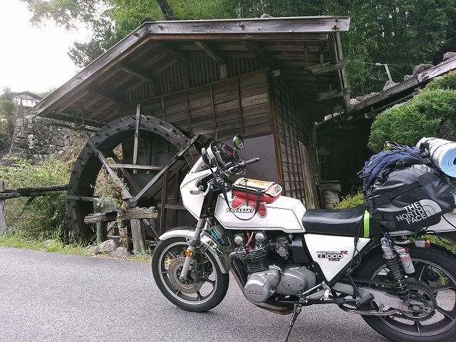 よく考えたらうちのバイクで高速道路に向いてるバイクは一台もないわ