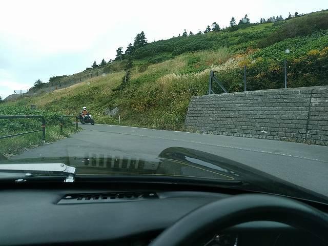 関係ないですが9月末の志賀草津道路はまだ紅葉には早い