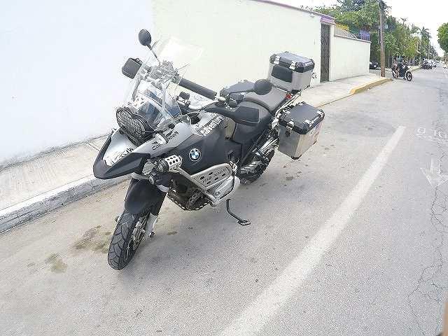 軽自動車より高いんですよBMWのバイクって。