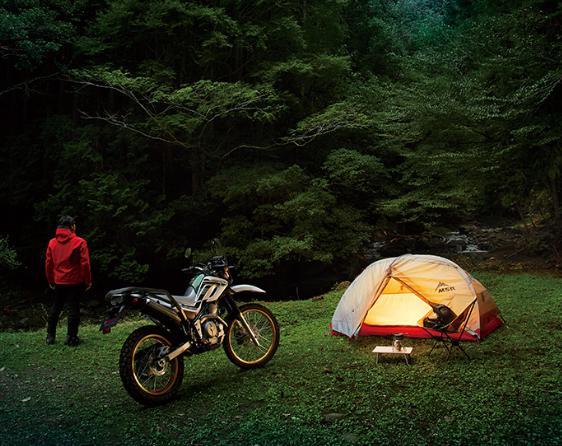 セローにはキャンプがよく似合うね。