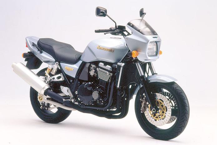 まさにこのZ1-R色がZRX1100のイメージカラーです