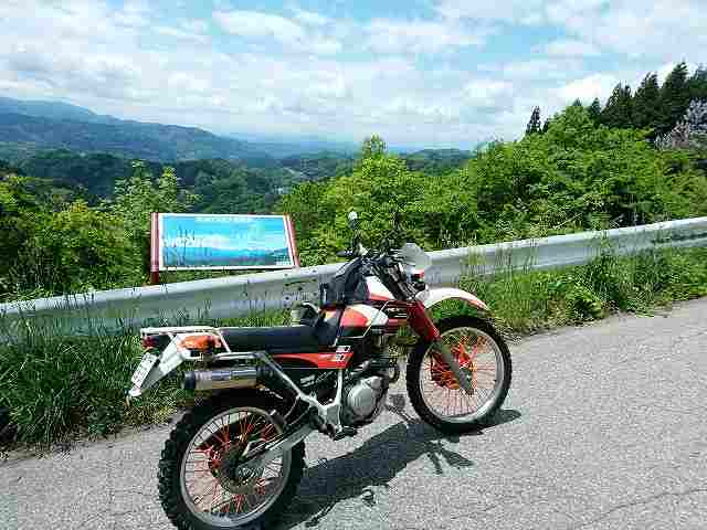 オフロードバイクでの細い県道ツーリングは結構楽しいです。