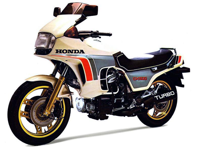 ベースエンジンにCX系を選ぶところが当時のHONDAの変態っぷりがわかる。