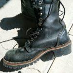 カビることがあっても、ワタクシは革ブーツ派です。