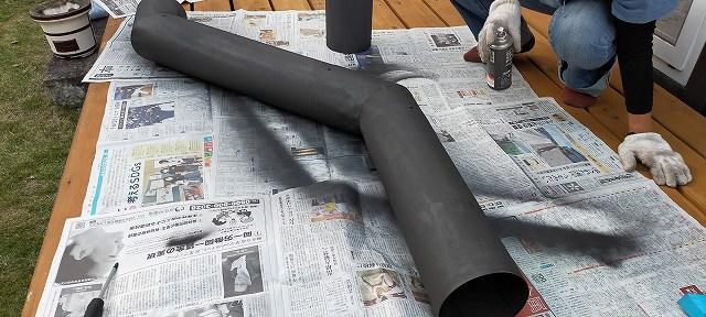 煙突の塗装なんて適当でいいんですよ。