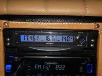 外気温計があると毎朝の季節の移り変わりがよくわかります。