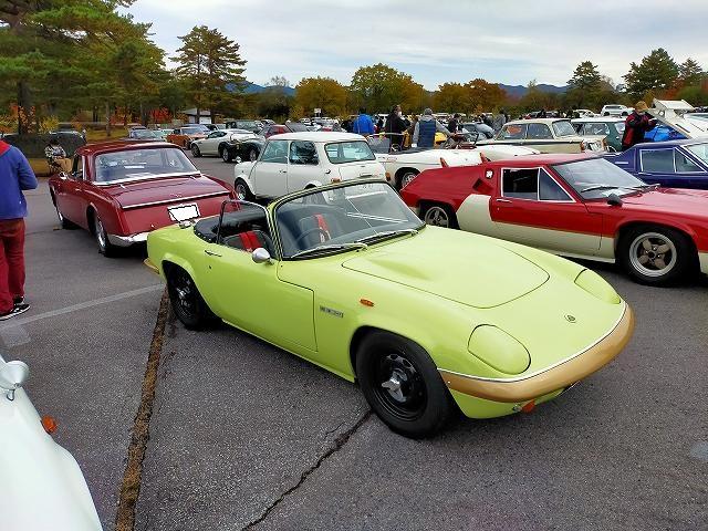 英国車でライトウェイトと言えば、Lotus Elanを真っ先に思い浮かべます。