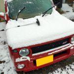 ラパンSS。雪は降らなくても窓はきっちり凍ります。