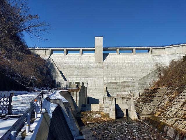 浅川ダム。どーん。