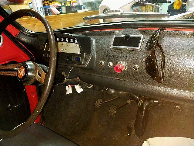 旧FIAT500のダッシュボード。