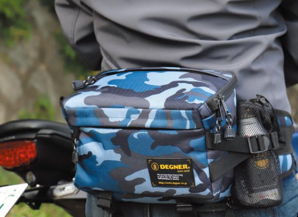 革のウエストバッグはカッコいいけど防水性は高くない。