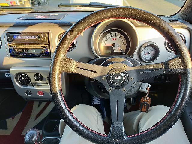 ラパンSS。運転席がこんなにシンプルになってしまった・・