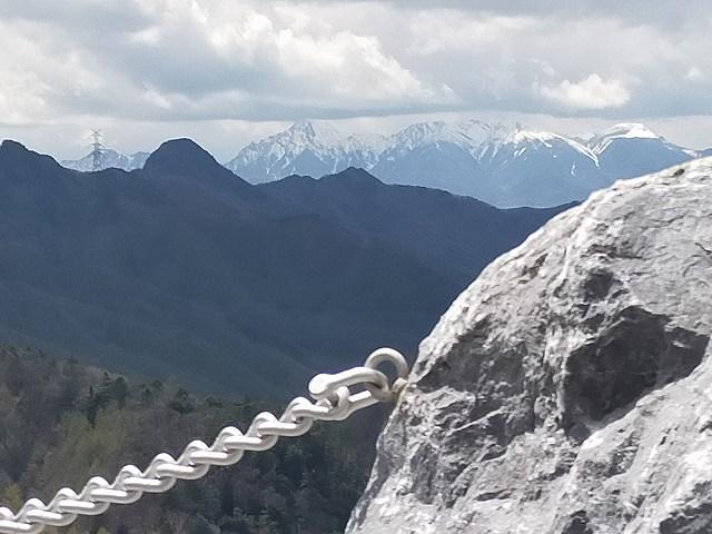 南相木ダム。八ヶ岳がデカイ。