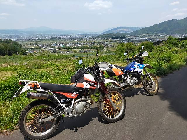 林道を抜けた須坂側はこの景色が広がります。