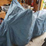 屋内保管でも冬の間はカバーをかけています。