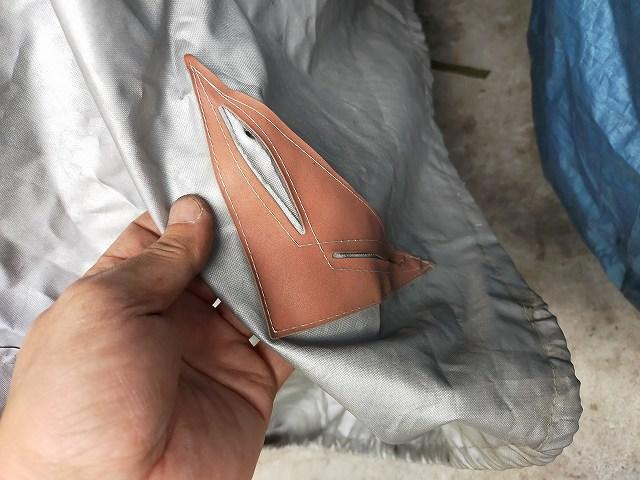 当倶楽部のZ750D1に使ってるカバーは切れ込みが入ってて補強がしてある。