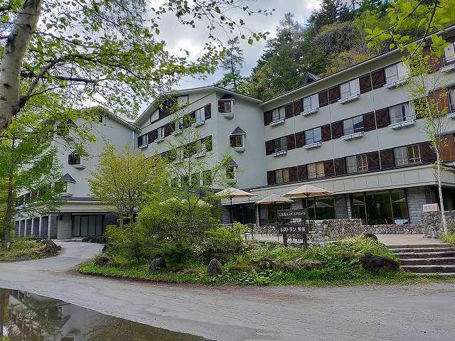 上高地には意外なことにホテルが結構多い。