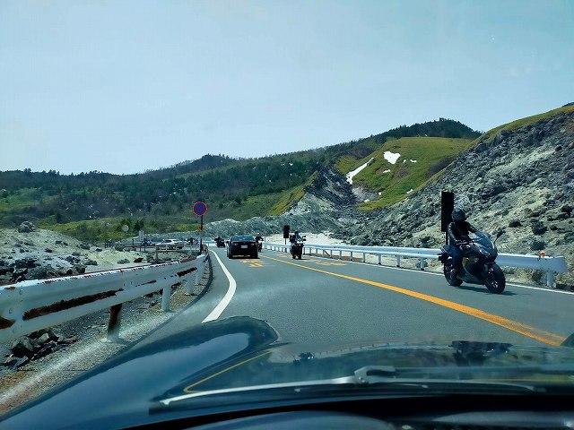 志賀草津高原道路。バイクも全線走行可能になってる。