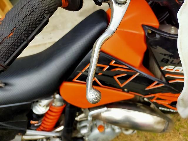 KTM125EXC。修正後はこんな感じに。