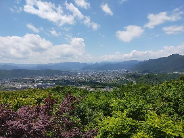 「風香。」からの風景。雲がなければもっと見える。