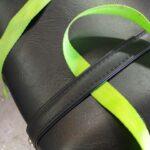 荷締めベルト。コレを使って荷物を積むのです。