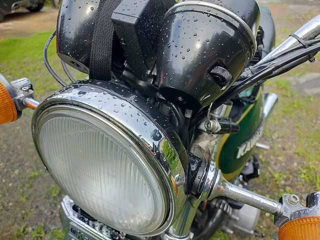 Z750D1。古いバイクは鉄が多いのですぐ錆びますよ。
