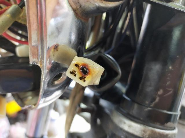 Z1-R。焦げて燃える寸前のカプラー