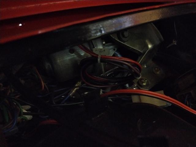旧FIAT500。ちょっと画像が暗い。